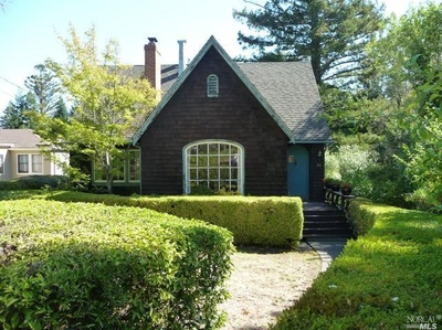 84 Glenwood Avenue Ross California Property for Sale offered by Peter and Karin Narodny with Frank Howard Allen